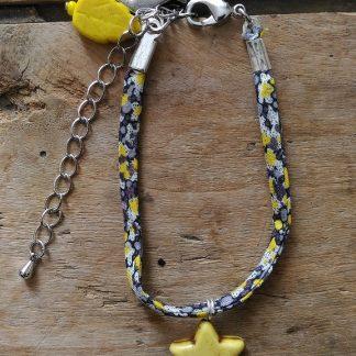 Bracelet Liberty noir jaune etoile et feuille jaune