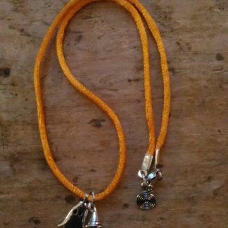 Collier Halloween cordon orange Fantome et chapeau sorcière