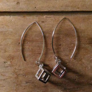 Boucles d'oreilles cube vide