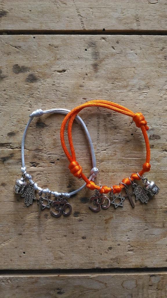 Bracelets religion
