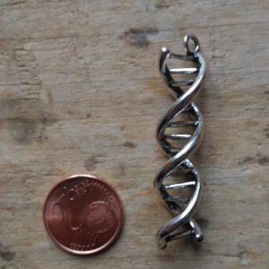Breloque ADN Couleur argent