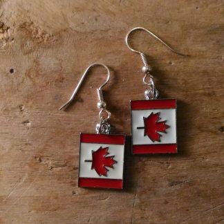 Boucles d'oreilles drapeau canadien