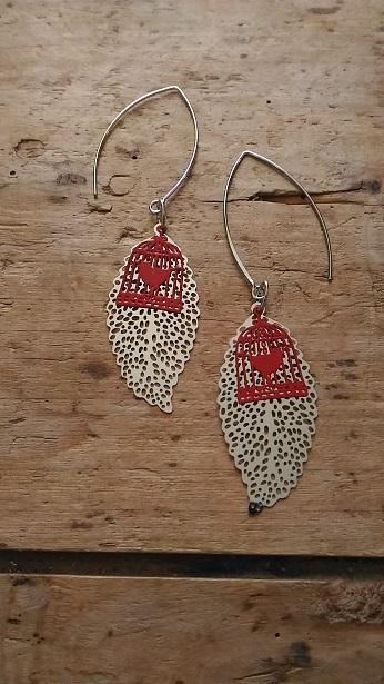 Boucles d'oreille feuille filigrane argent et cage oiseau rouge