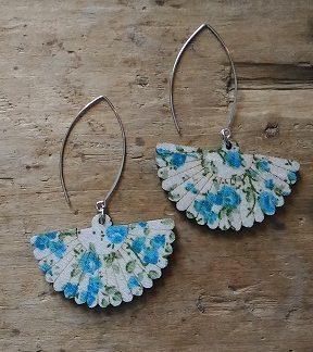 Boucles d'oreilles éventail bleu