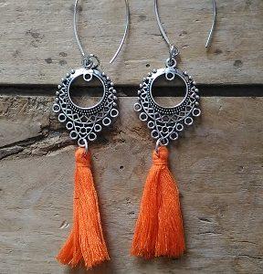 Boucles d'oreilles connecteur ethnique pompon orange