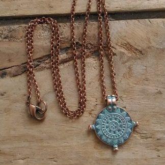 Collier cuivre médaille antique bleue
