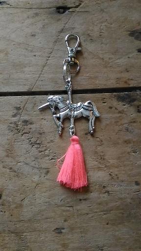 Porte clés Licorne et pompon rose