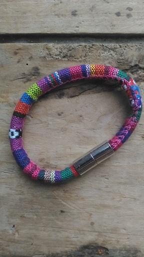 Bracelet ethnique rose mauve bleu