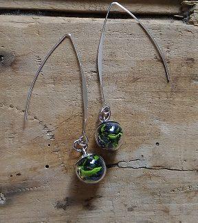 Boucles d'oreilles mini fiole wax vert et noir