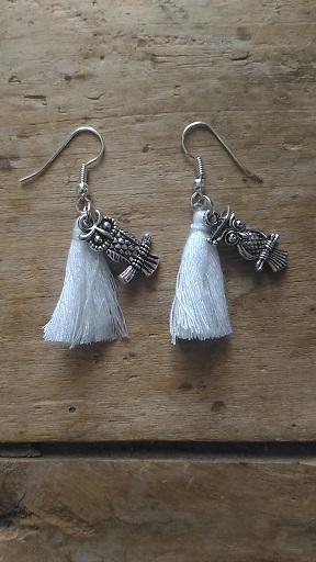 Boucles d'oreilles pompon blanc et hibou