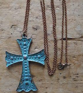 Sautoir cuivre grande croix bleu antique