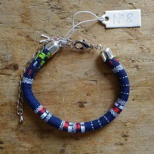 Bracelet cordon ethnique 8 bleu marine rouge