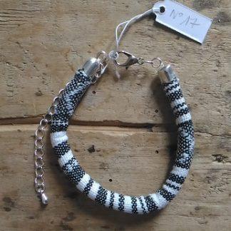 Bracelet cordon ethnique blanc et noir n°17