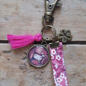Porte-clés bronze Kokeshi tons mauve-rose fushia