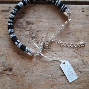 Bracelet cordon ethnique noir et blanc n°18