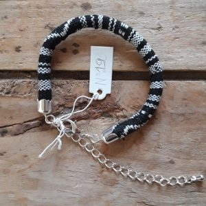Bracelet cordon ethnique noir et blanc n°19