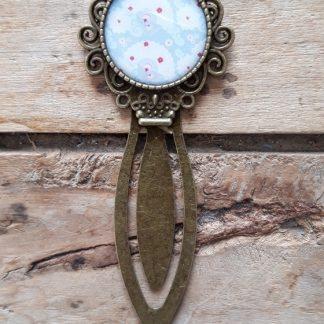 Marque-Page bronze cabochon eventail bleu ciel et blanc