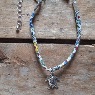 Bracelet tortue Liberty fleuri blanc vert rouge bleu