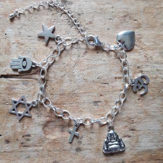 Bracelet thème religions 7 breloques Main de Fatma, Bouddha, Croix, Etoile de David et plus