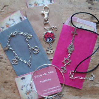 Bracelets et collier thème religion + porte clés porte-bonheur